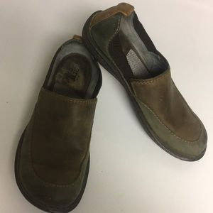 Born Leather Brown Green Slip On Shoes size 8.5